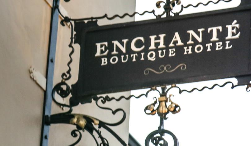 Enchante Hotel sign Los Altos