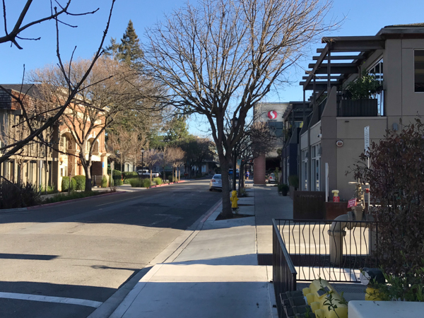 Still some sun on First Street Los Altos at 3:30